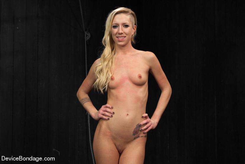 Debbie Gibson Nude Photos