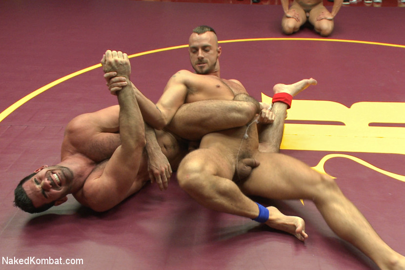 Four nude male studs wrestle before audienc - XXX Dessert - Picture 4