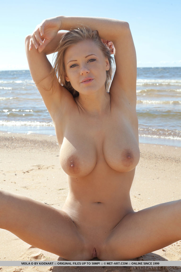 beach girls squirting Nude