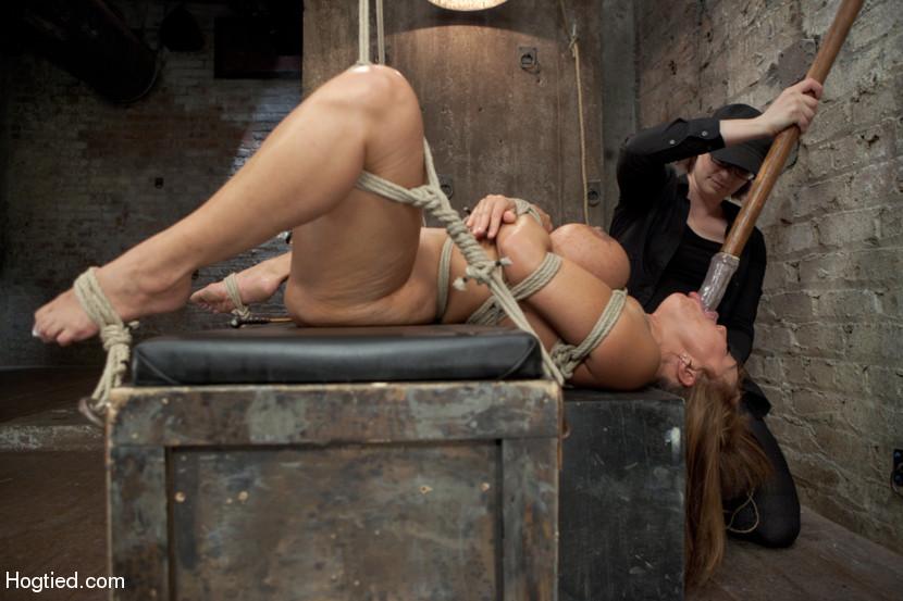 Big butt bondage pics