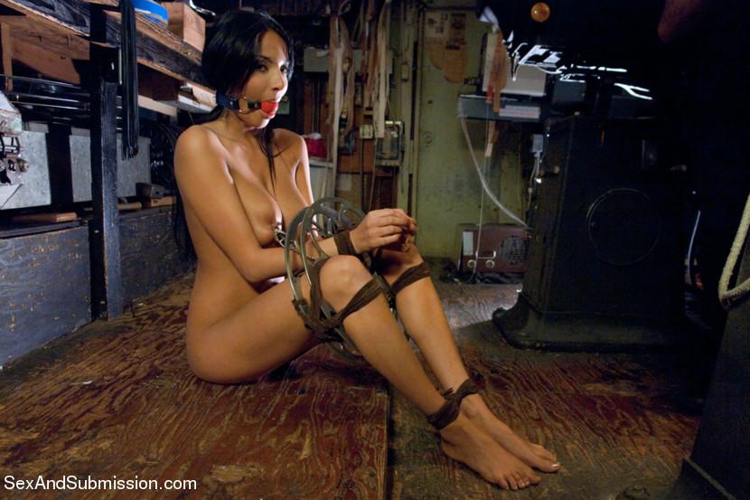 Kate asabuki bondage galleries