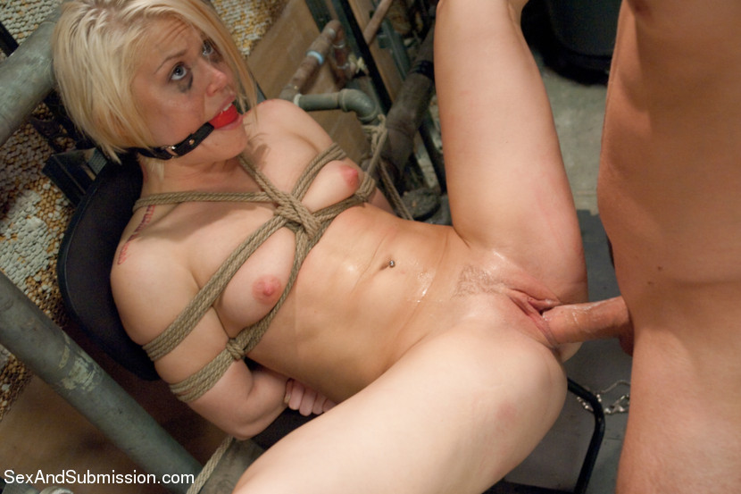 Hot blonde sucks dick in locker room and gets bound, rop ...