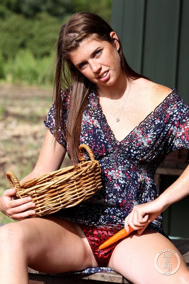 girl upskirt Farm