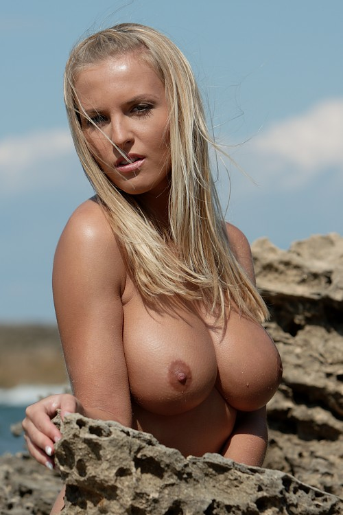 Erotic big round tits blonde shows her juic - XXX Dessert ...