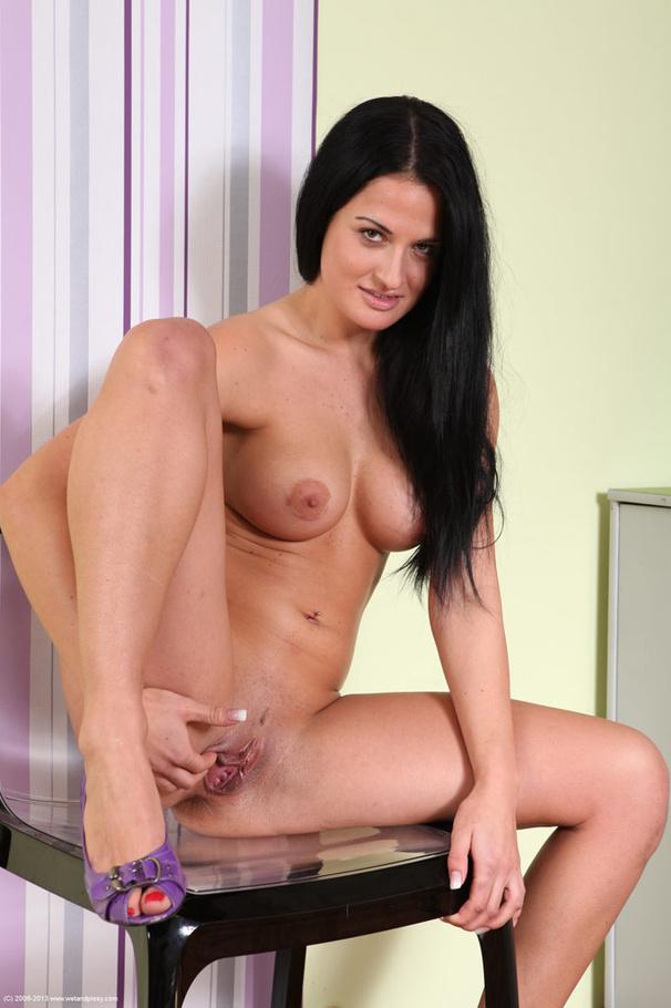 Model naked pussy wet
