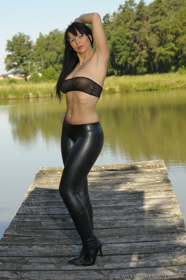 sexy milfs leather pants in Hot
