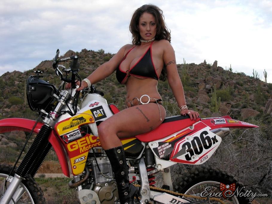 motocross-girls-topless-helen-hunt-nude-photo
