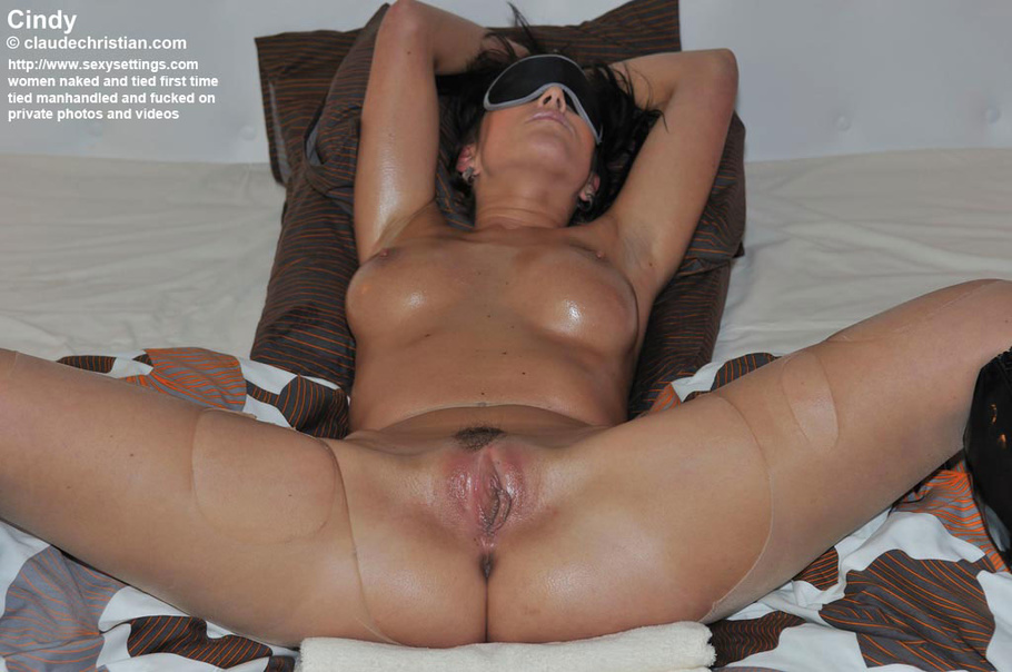 very beautiful and smart nude girl pic