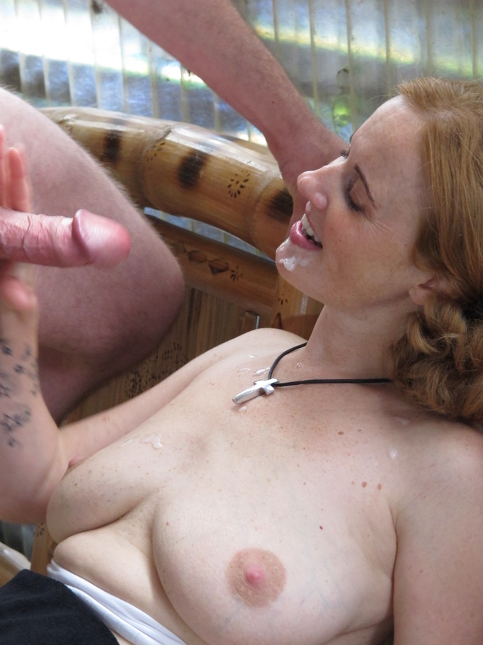fuck her pussy by his fingers