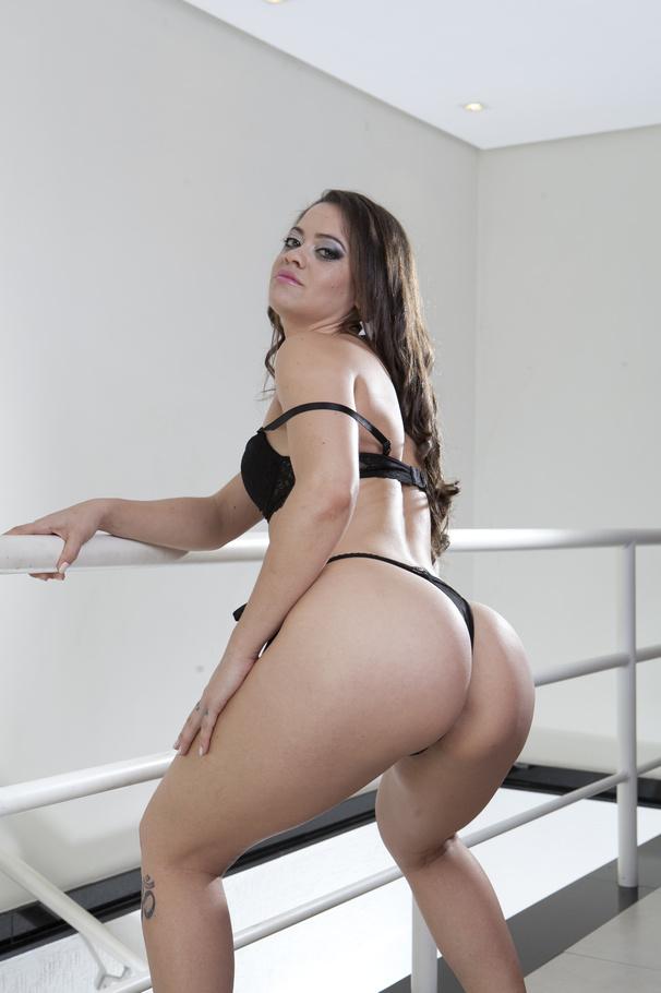 Amazing College Slut