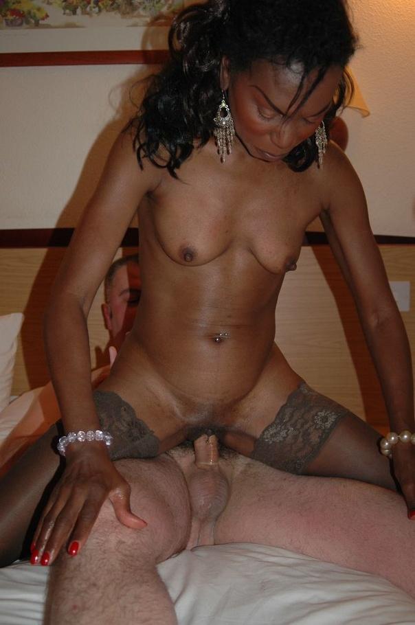Ebony babe es follada