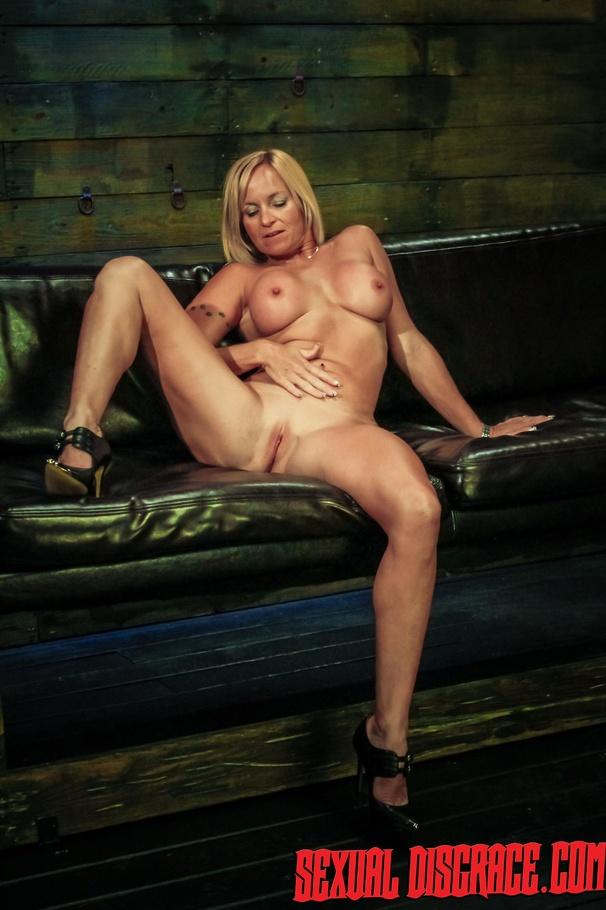 free thumbnail porn Bdsm gallery