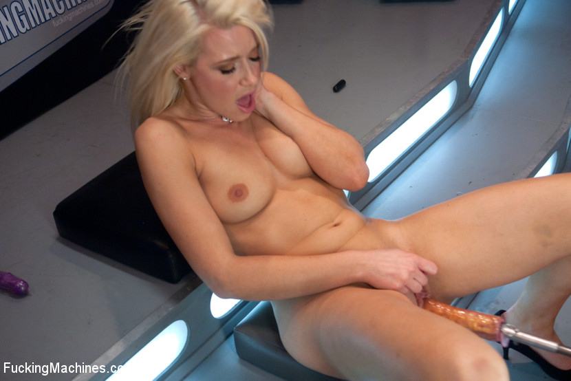 Fucking machine wrecks a hot blonde's juice - XXX Dessert - Picture 6