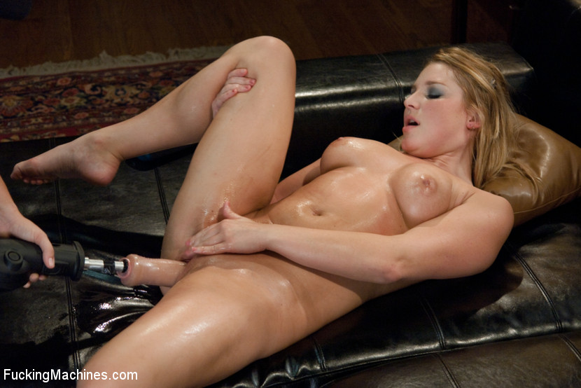 Blonde with big tits split apart with a fuc - XXX Dessert - Picture 10