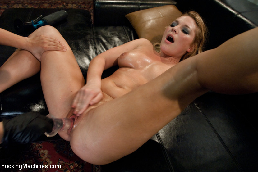 Blonde with big tits split apart with a fuc - XXX Dessert - Picture 14