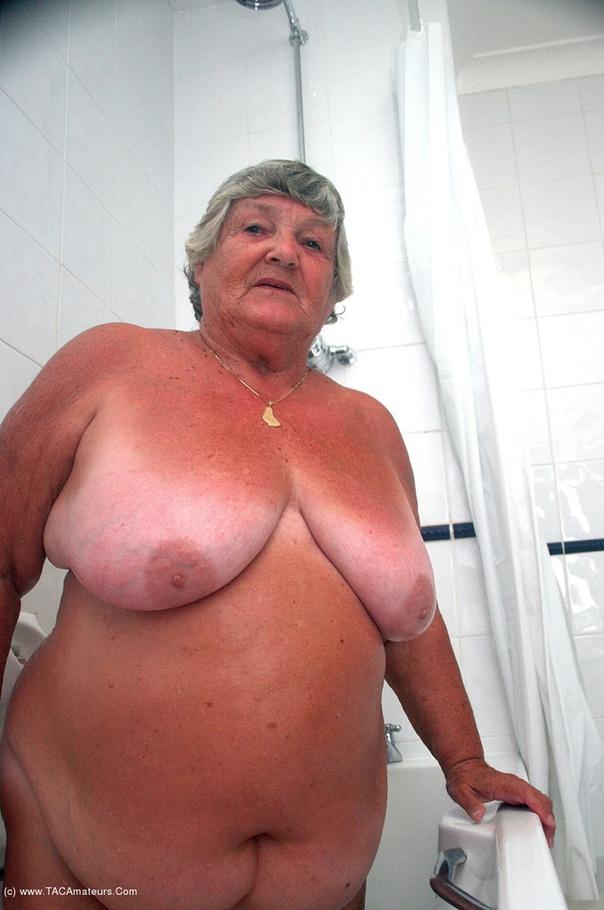 image Chubby grandma in bathroom