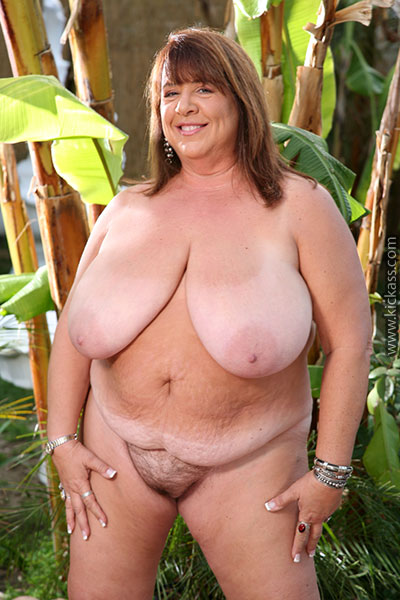 Fat Cougar Pose Her Huge Body Outdoor Wearing Her Red -8014