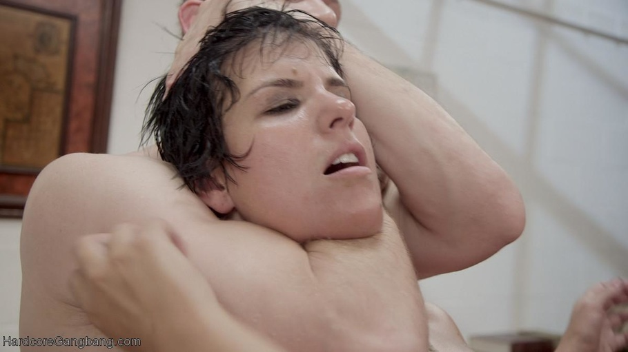 Milfs Short Brunette Hair Is Pulled While She Is Defiled -2170