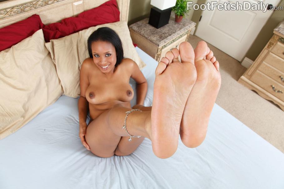 Sexy Ebony In Blue Lingerie In Hot Feet Licking, Foot Job -3218