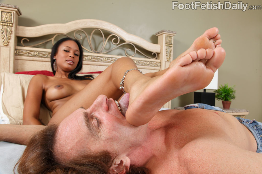 Sexy Ebony In Blue Lingerie In Hot Feet Licking, Foot Job -8069