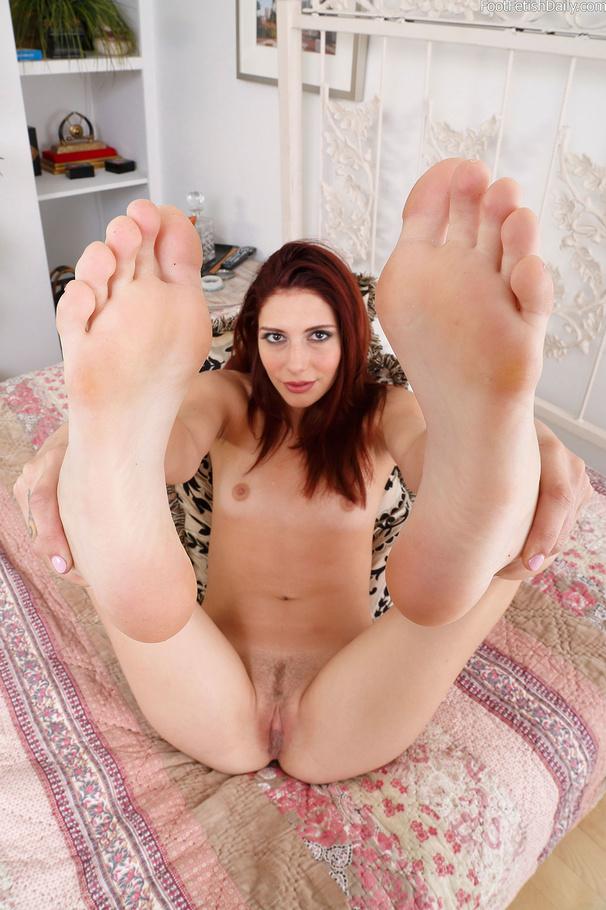 2 foot cock video