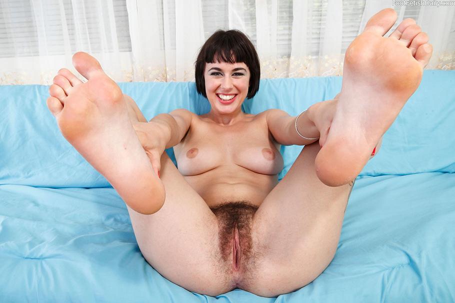 feet sexy female hairy