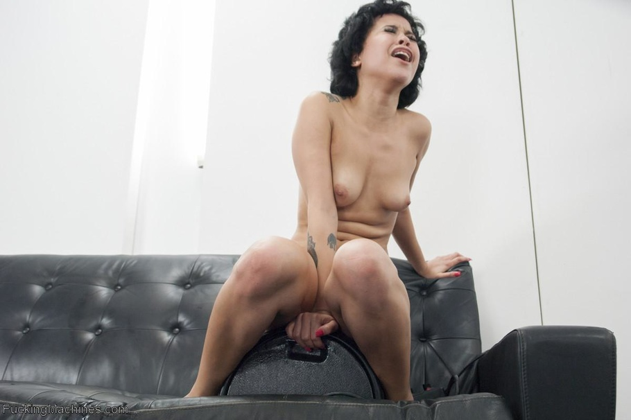 Short Haired Ebony Darling With A Slim Body Having Solo -9906