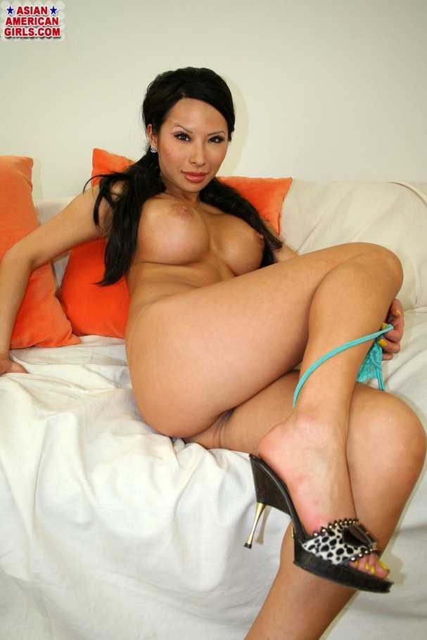 Naked asian american women