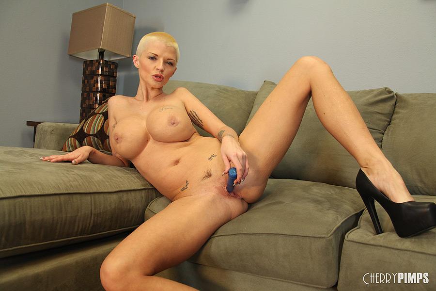 bald female pornstar