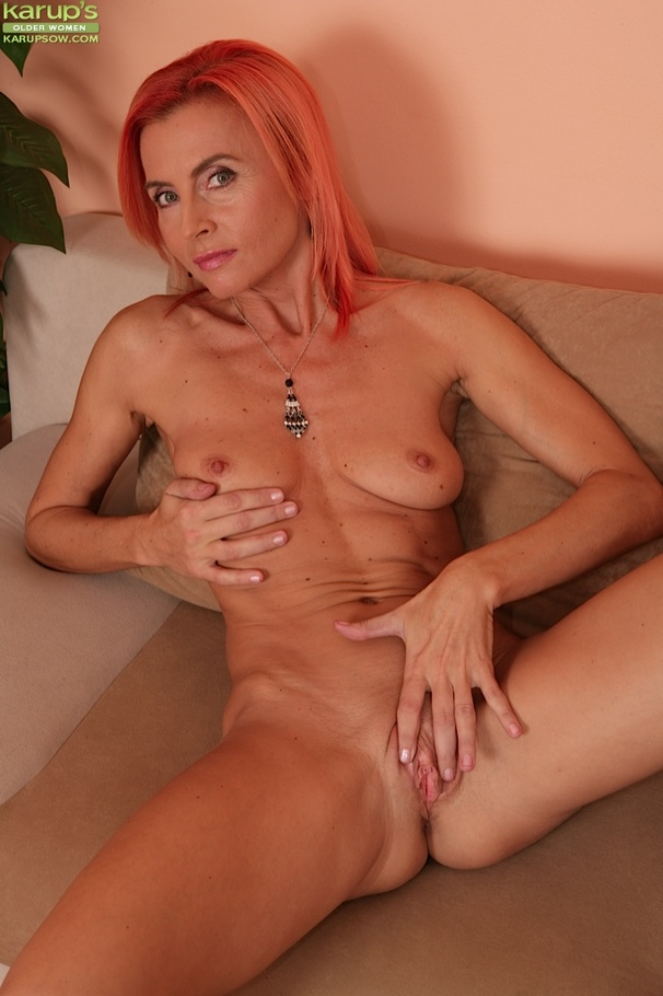 Horny Mature Wife In Black Dress Spreads Her Tiny Twat -8879