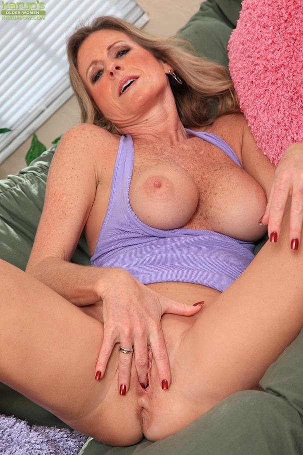 Blonde triple penetration girl