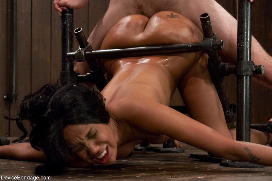 Black Broads Ass Is Covered In Cum After Shes Boned -3845