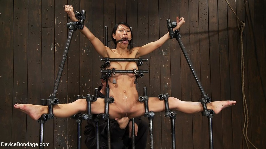 Girl tied up and made to squirt no wonder 2