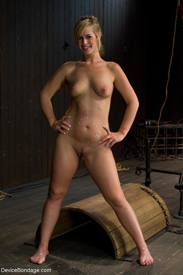 Tara Lynn Foxx Nude