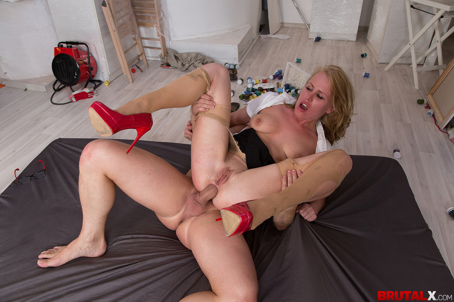 Fair-Haired Bitch In Red High Heels Takes Facial Onto Her Glasses After -3657
