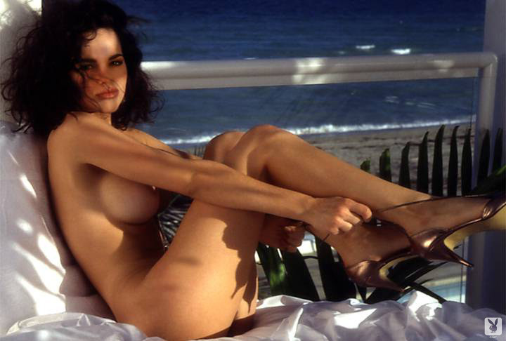 Italian porn vintage sex in a cave with a sexy country XXX