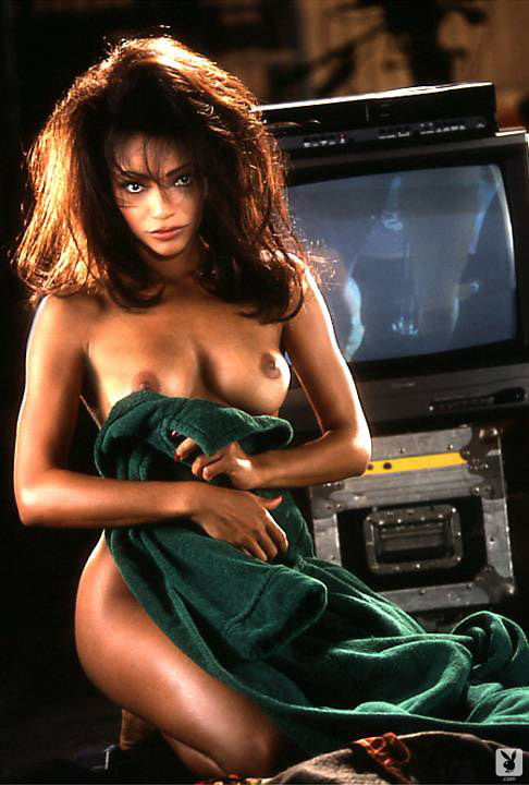 Elan carter nude