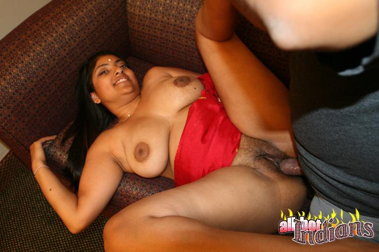 Chubby indian with big breast received hard dick in her hairy cunt