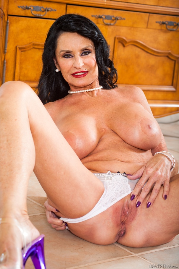 the amusing brunette joseline kelly spreading her tight pussy useful piece And