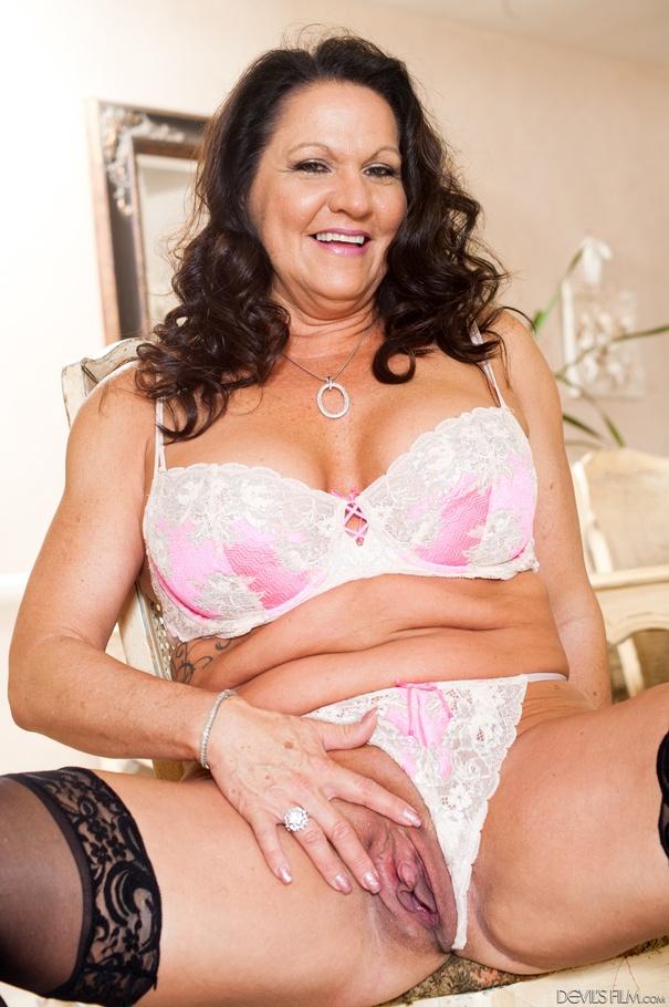 Public Agent Big Tits Brunette