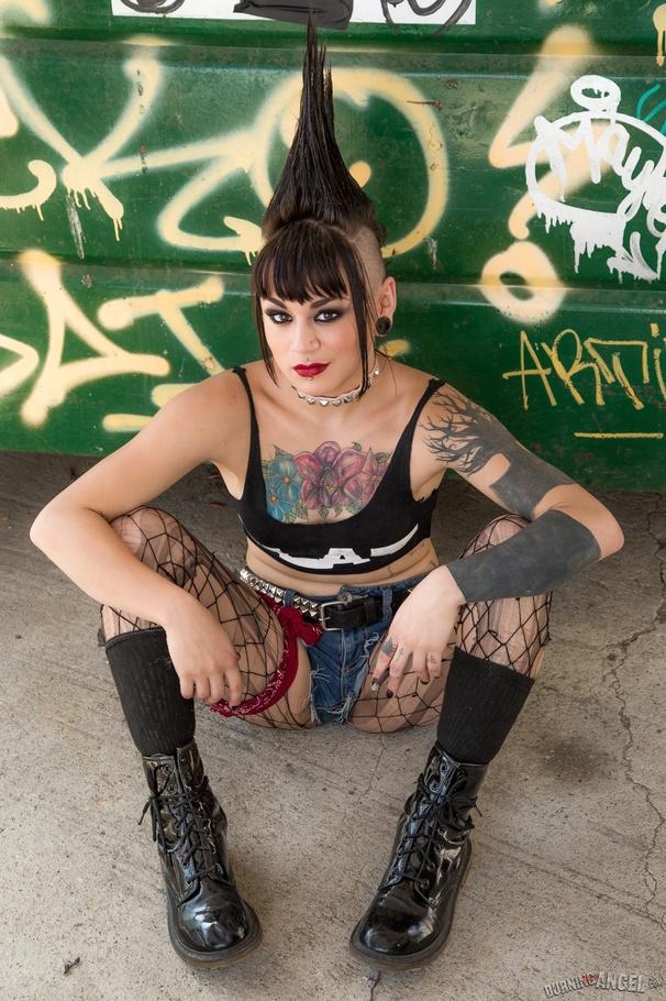 Punk girl porn pics