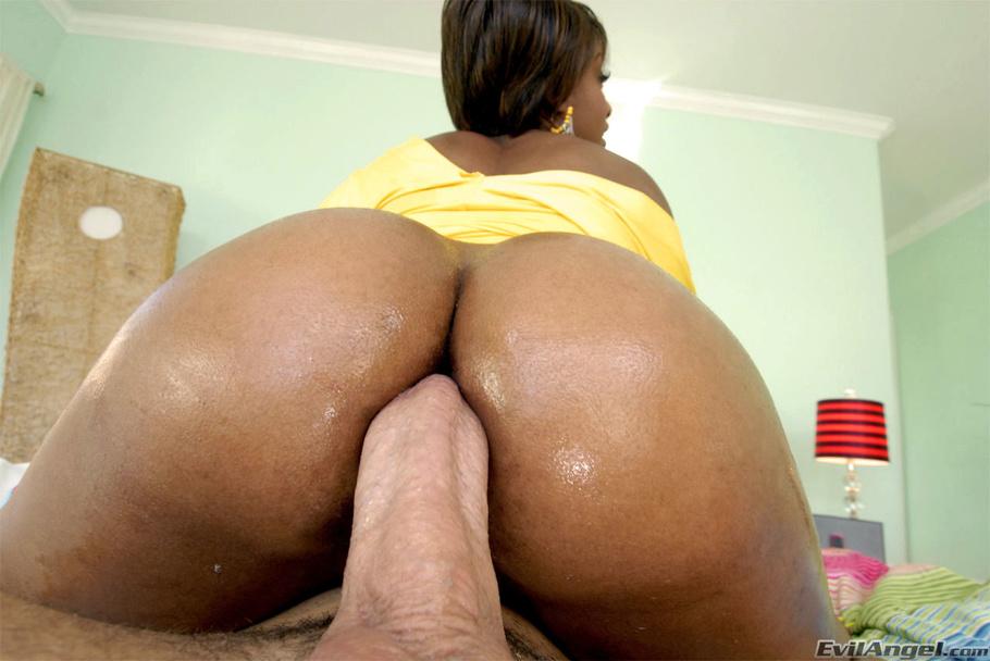 Ebony booty anal