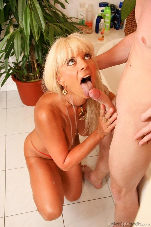 Blonde Homemade Big Tits