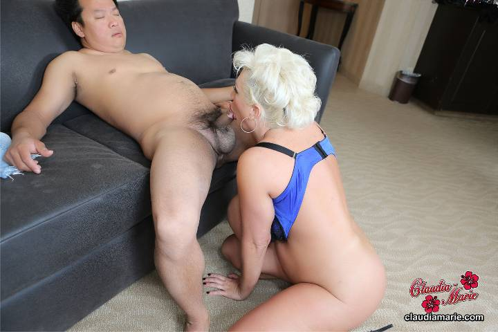 busty buffy rides cock & gets penetrated hard
