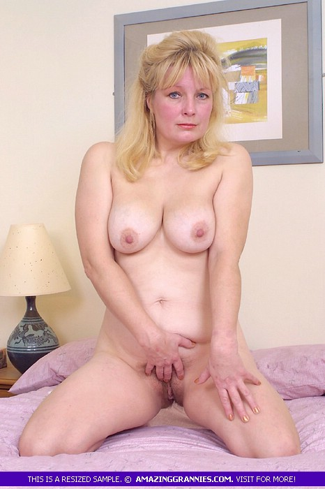 Mature tits xxx picture post