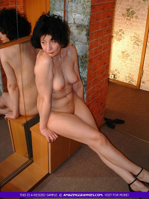 Mature Chick Pose Naked And Teases With Her - Xxx Dessert - Picture 11-9753