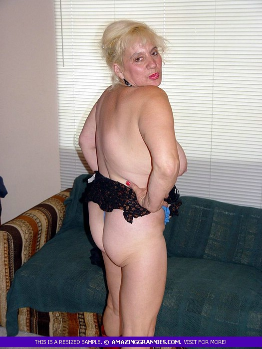 Fat Granny Shows Her Large Breasts On A Blu - Xxx Dessert - Picture 8-8940