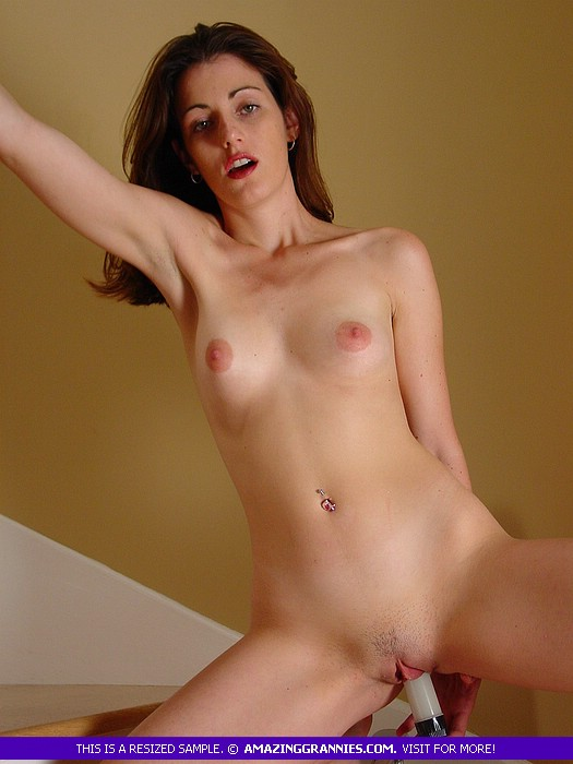 Young milf nude