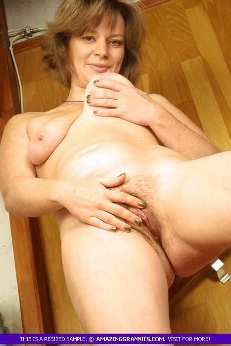 Gorgeous Granny Pose Naked And Teases With - Xxx Dessert -4604