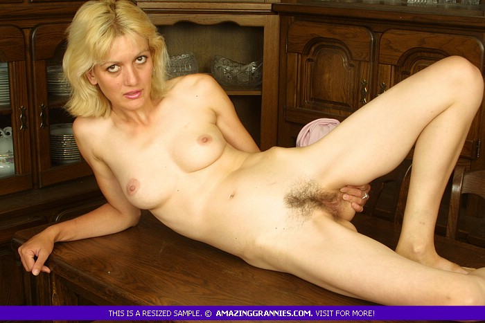 Blonde mature porn tube